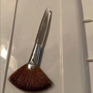 Trish mcevoy fan brush 62